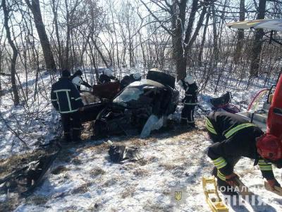 На трасі Київ-Чоп Porsche Cayenne розтрощив Daewoo Sens. Троє людей загинули