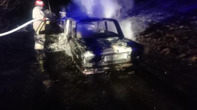 На Буковині вщент у масштабній пожежі згоріли «Жигулі» - фото