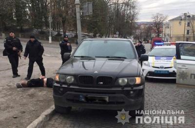 Поліція затримала групу вимагачів із Чернівців - фото