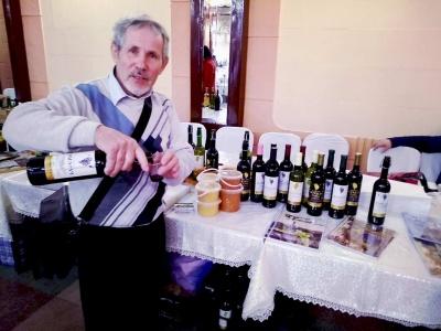 У Чернівцях на конкурсі обрали найкращих виробників вина – фото