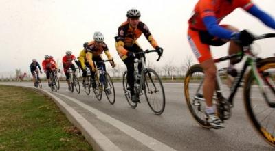 На Буковині велогонщики відкрили сезон
