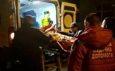 У Чернівцях поліцейські врятували безпорадну жінку, яка не виходила на зв'язок із рідними