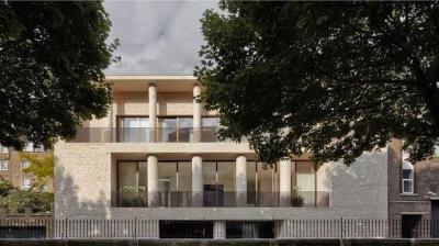 Лондонський суд арештував два маєтки Фірташа