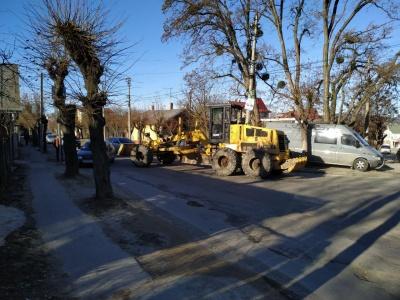 У Чернівцях на Сторожинецькій через ДТП перекрили рух - фото