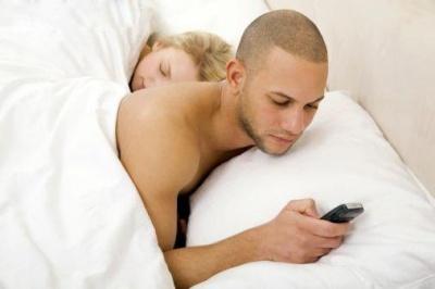 Як чоловіки перевіряють почуття коханої