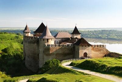 У Хотинській фортеці встановили інформаційні кіоски