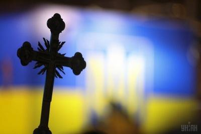 На Буковині поліція встановлює обставини бійки під час зборів церковної громади
