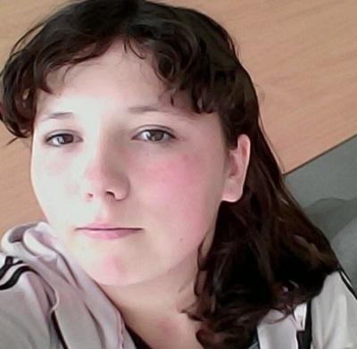 На Буковині поліція розшукує 14-річну дівчину, яка зникла безвісти