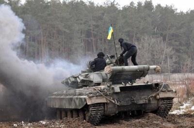 Доба на Донбасі: бойовики завдавали ударів з танків та артилерії, один військовий загинув