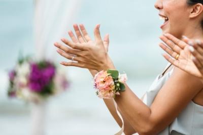 Наречена вигнала з весілля занадто популярну сестру