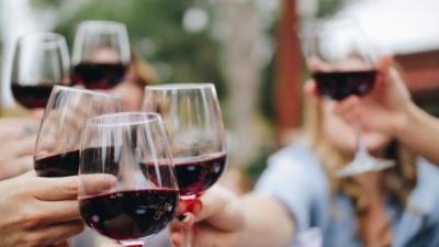 Яким людям алкоголь корисний