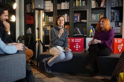 «Жінки у чернівецькій політиці»: депутатки розповіли про свою участь у роботі влади