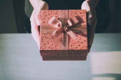 Найбанальніші подарунки: що ні в якому разі не можна дарувати на 8 Березня