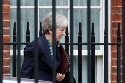 Мей застерегла, що Brexit може не відбутися
