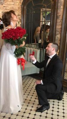 Бешлей зробив пропозицію своїй дівчині