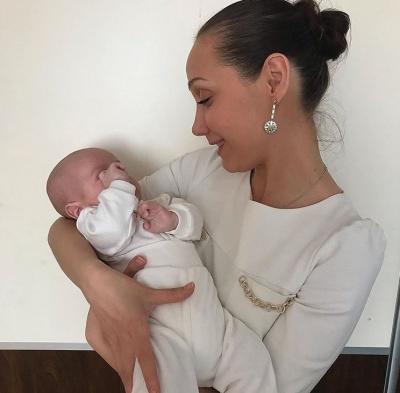 Євгенія Власова, що перемогла рак, стала «мамою»