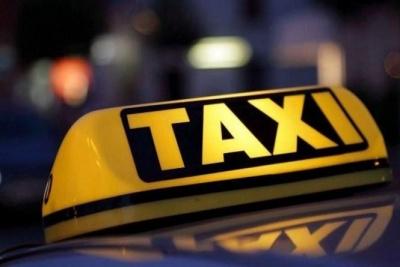 У Чернівцях водій отримав великий штраф за те, що «таксував» на «євроблясі»
