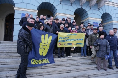 Тягнибок незаконно агітував у Чернівецькій міськраді, ОПОРА поскаржилась до поліції