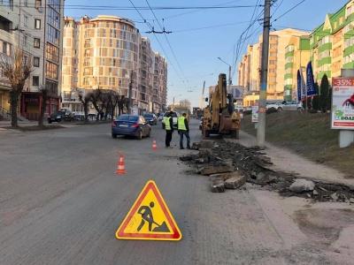 У Чернівцях суттєво обмежать рух транспорту через асфальтування вулиці Героїв Майдану