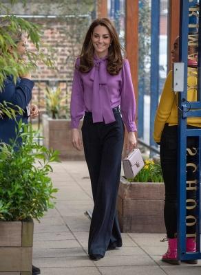 Змінила сукню на брюки: несподіваний вихід Кейт Міддлтон в лавандовій блузі Gucci