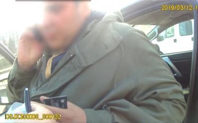 У Чернівцях поліція зі скандалом затримала директора дорожньої фірми, яка ремонтує Героїв Майдану – відео