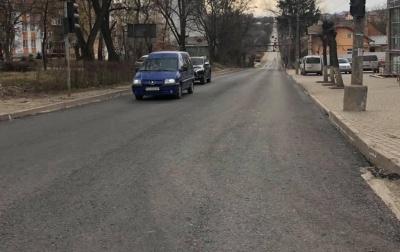 У Чернівцях міськрада хоче виділити рекордну суму грошей на ремонт доріг