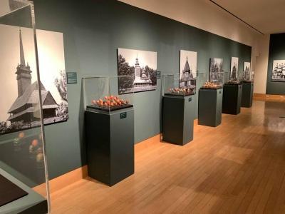 В Українському музеї у Нью-Йорку триває виставка писанок - фото