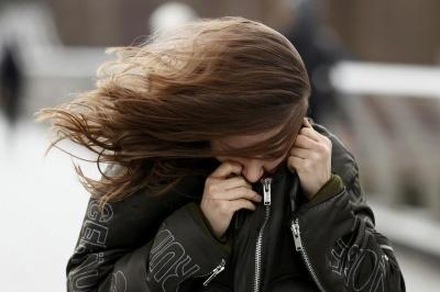 Рятувальники попереджають про сильні пориви вітру