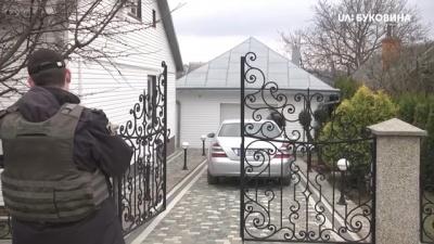 У Чернівцях на подвір'ї будинку вибухнула граната – відео