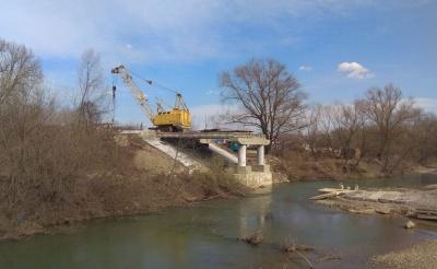 Зруйнований міст у Сторожинці: суд зобов'язав підрядника відшкодувати понад 2 млн грн