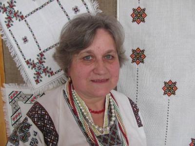 «Барвисте перевесло»: у Чернівцях відкрили виставку буковинської вишивальниці