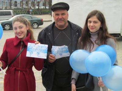 Всесвітній день води: у Чернівцях студенти закликали перехожих берегти природні ресурси