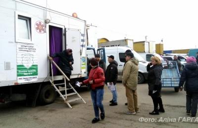 У Чернівцях під час безкоштовного обстеження на Калинці у двох людей запідозрили туберкульоз