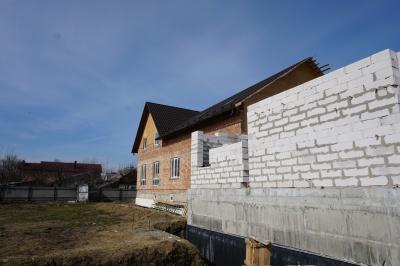 «Місто добра» у Чернівцях будують меценати з різних країн світу