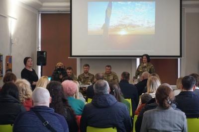 «Війна – це задача зберегти мир»: у Чернівцях презентували книгу, присвячену герою АТО Леоніду Дергачу