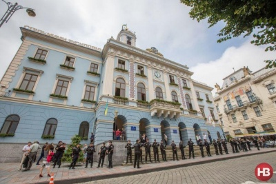 Смертельна ДТП і економія в міськраді. Головні новини Буковини за 27 березня