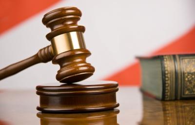 На Буковині чоловік вчинив розбій щодо адміністратора готелю: як його покарали