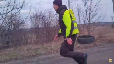 «Зжери свої 200 гривень»: з'явився повний відеозапис інциденту з патрульними на Буковині