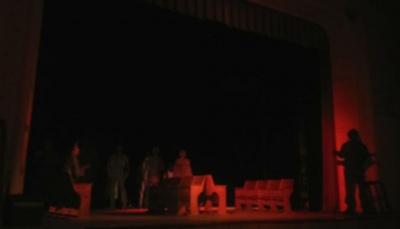 «Діти.SOS»: у Чернівцях народний драмтеатр зіграв емоційну виставу про війну – фото