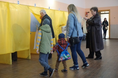 На Буковині поліція відкрила справу через порушення таємниці голосування