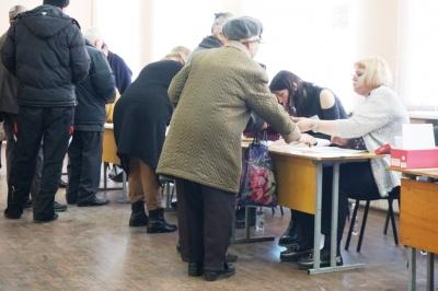 На Буковині чоловік прийшов на виборчу дільницю з румунським паспортом