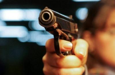 На Буковині розшукують чоловіка, який підстрелив двох людей