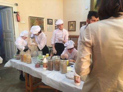 У Чернівцях «сонячні» кухарі готували корисні сніданки – фото