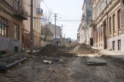 У Чернівцях відновили ремонт вулиці Переяславської – фото