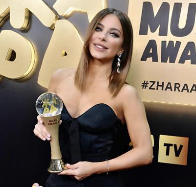 Ані Лорак похвалилася черговою російською нагородою
