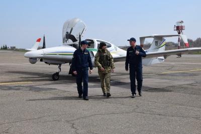На Буковині прикордонники патрулюють кордон з літака