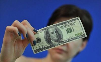 Заробітчани у 2018 році переказали до України рекордну суму грошей
