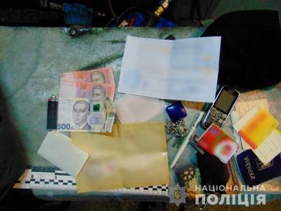 У Чернівцях чоловік вкрав гроші з автомийки