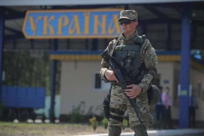 Двоє російських силовиків попросили в України політичного притулку через переслідування
