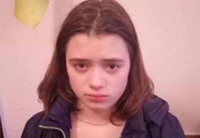 На Буковині дівчину, яку розшукувала поліція, знайшли у подруги